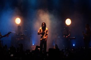 Rising Artist Daniel Caesar Gave A Breathtaking Performance in Sydney